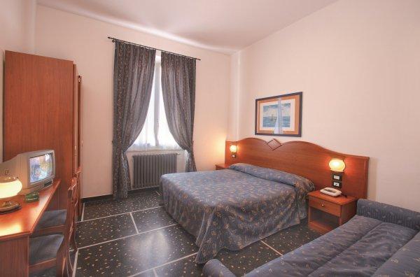 Hotel Bristol - Lavagna / Ligurien