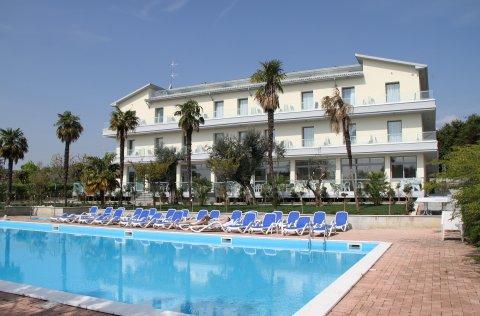 Hotel Villa Paradiso Suite**** - Moniga del Garda / Gardasee
